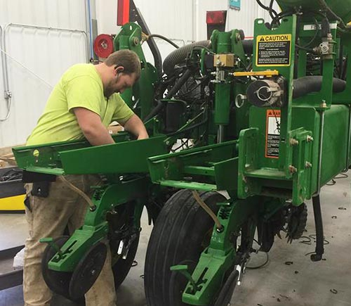 Certified Technician for Farm Equipment Repair - Morton, IL